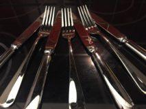 Messer und Gabeln